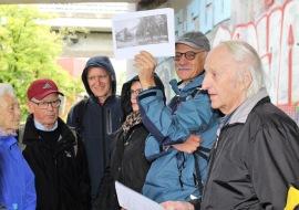 Dorfistoriker Albert Grimm an der Stelle der alten Aubrücke aus frührern Zeit_2 3